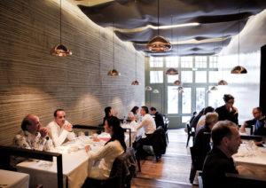 Restaurant Anna Warmoesstraat 111 interieur Ronald Hooft Uit eten